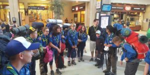 départ de camp d'été des scouts